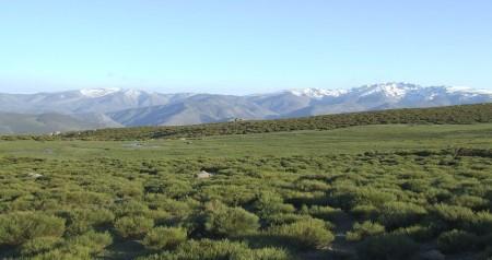 Vista de gredos desde la sierra de santiago montana